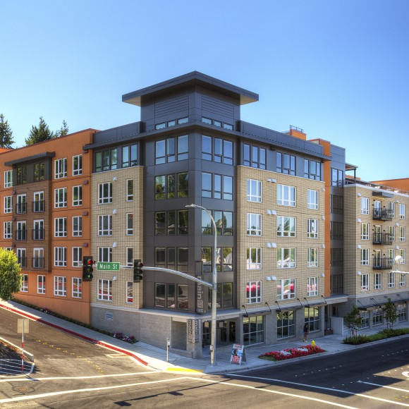 Main Street Flats is a 260-unit community located in the heart of Bellevue, Washington.  With skyline views from the rooftop terrace, multiple courtyards, and endless unit floor plan options, Main Street Flats is a highly sought-after residence in the Northwest.