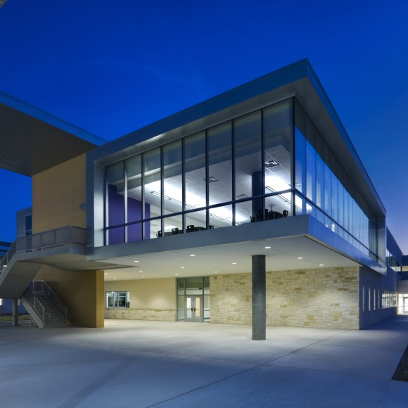 Cedar Ridge High School Perkins + Will (photo: Charles Davis Smith)