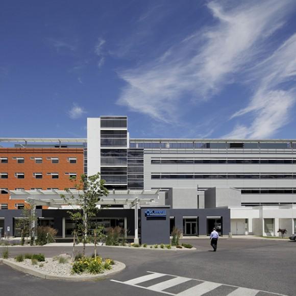 Confluence Health Central Washington Hospital Wenatchee, Washington USA Photo courtesy of HDR Architecture, Inc.; © 2012 Doug Scott